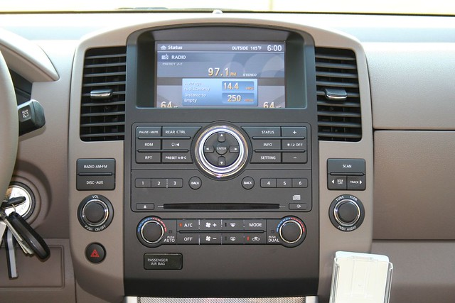 2008 Nissan Pathfinder SE - Interior | Notice the outside ...