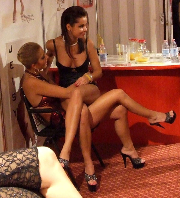 Girls Lesbian Lap Dance Naked Free Sex Videos - Watch.