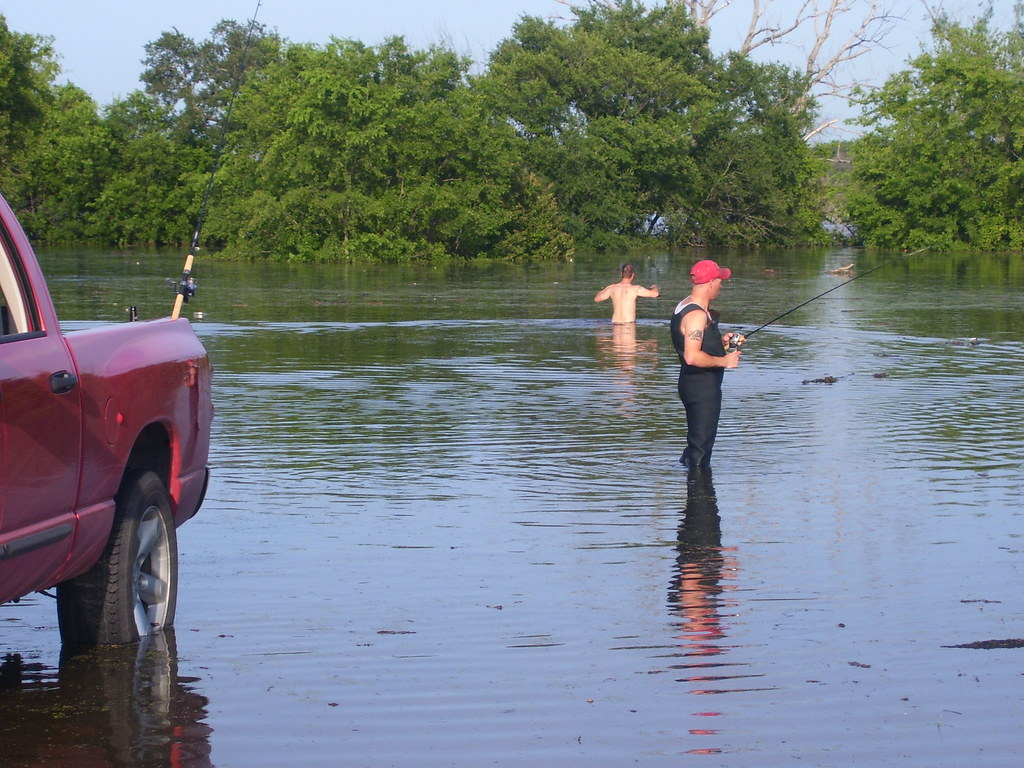 Fishing a flooded lake waco nddbulldog flickr for Lake waco fishing report
