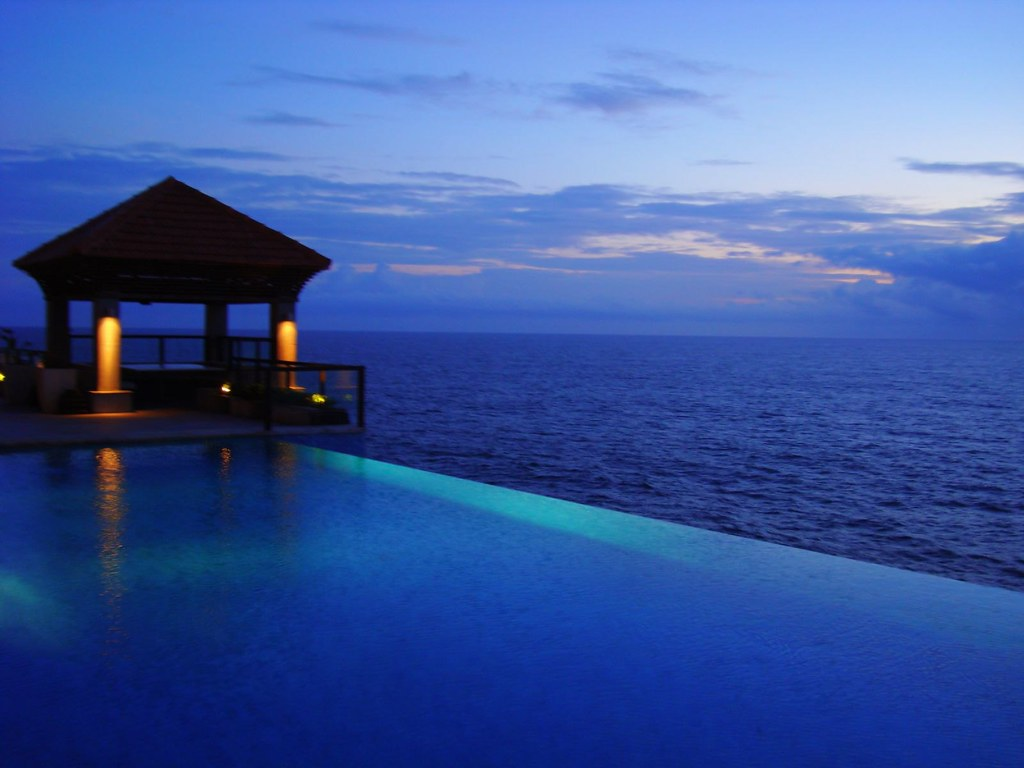 Swimming pool-kovalam beach-blue beauty | Kovalam beach is ...