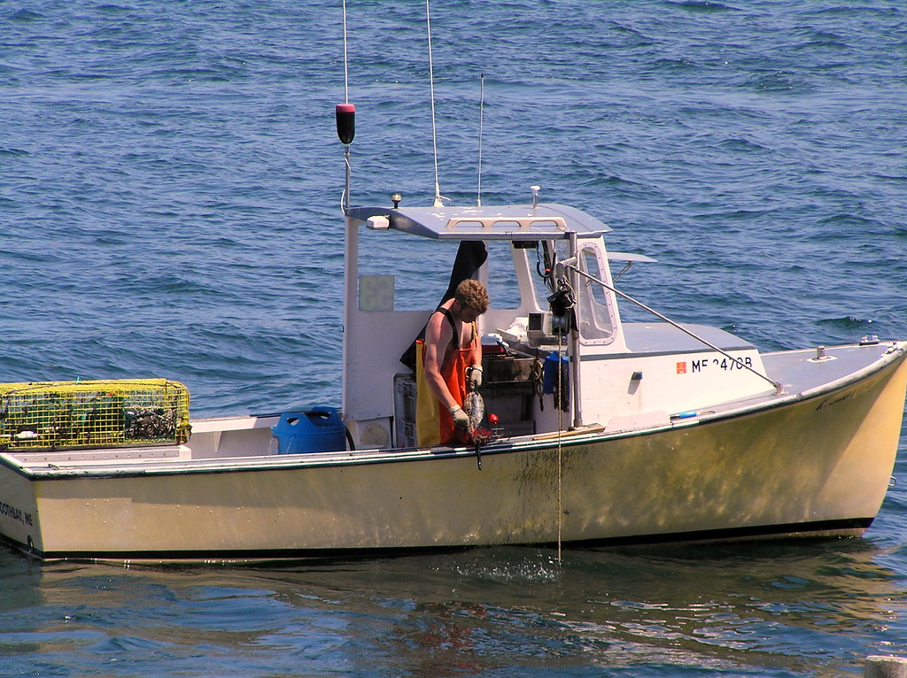 Lobster fishing boothbay harbor maine henry for Lobster fishing in maine