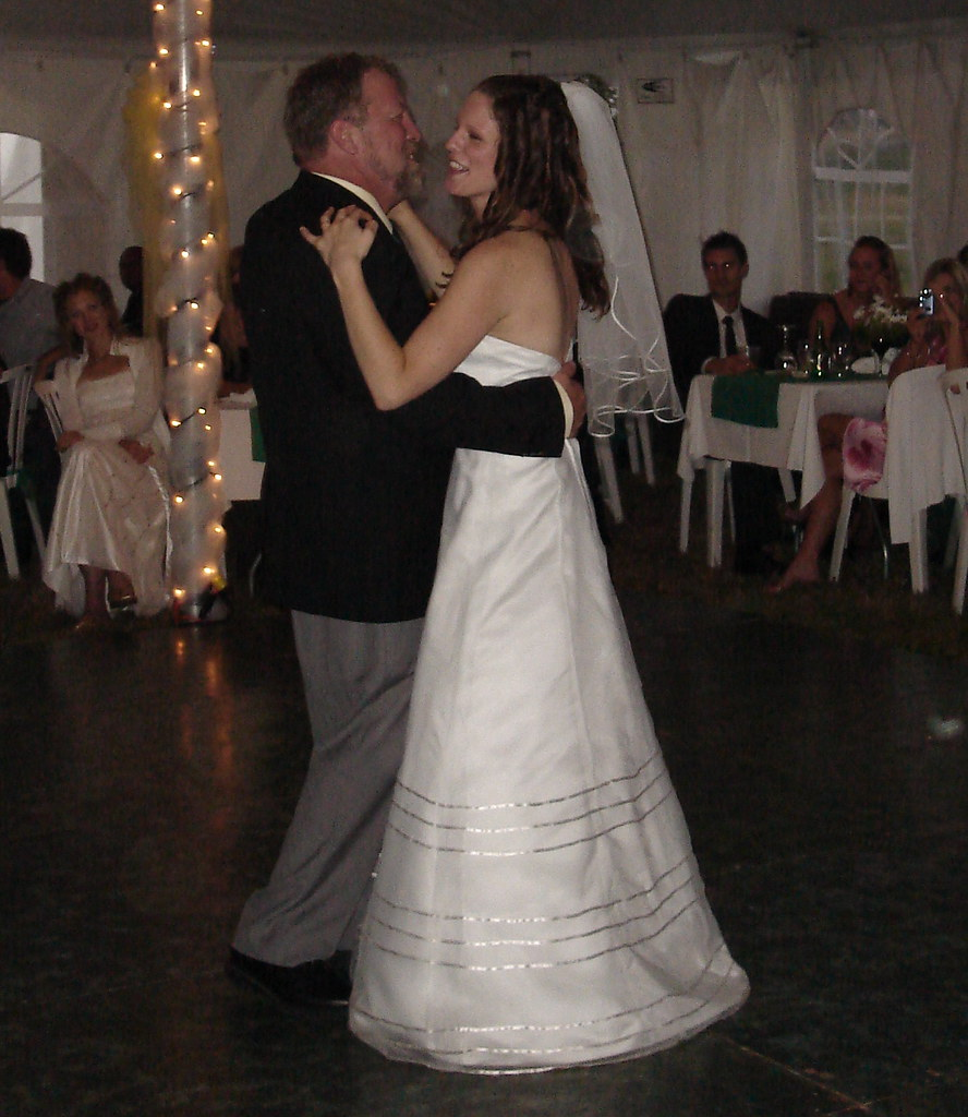 Bride Dances With Dad On Wedding Day: The Traditional Bride & Father