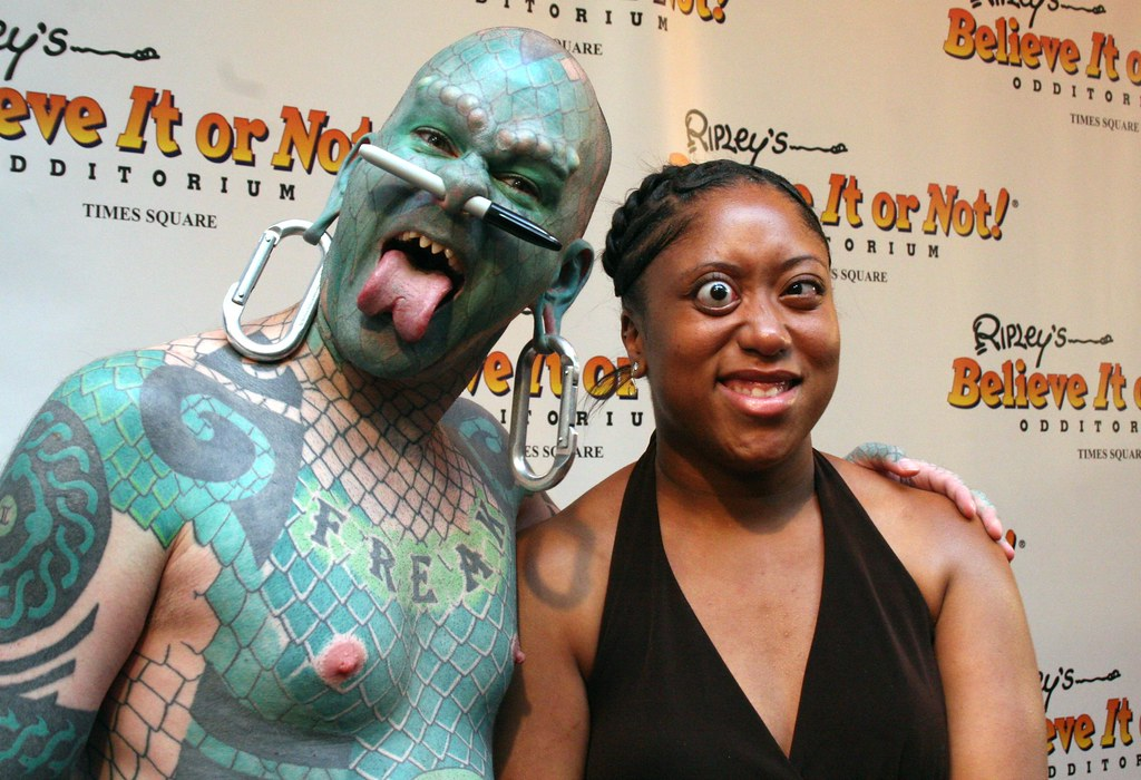 The Lizardman (Erik Sprague) & Eye-Popper (Jalisa Thompson ...
