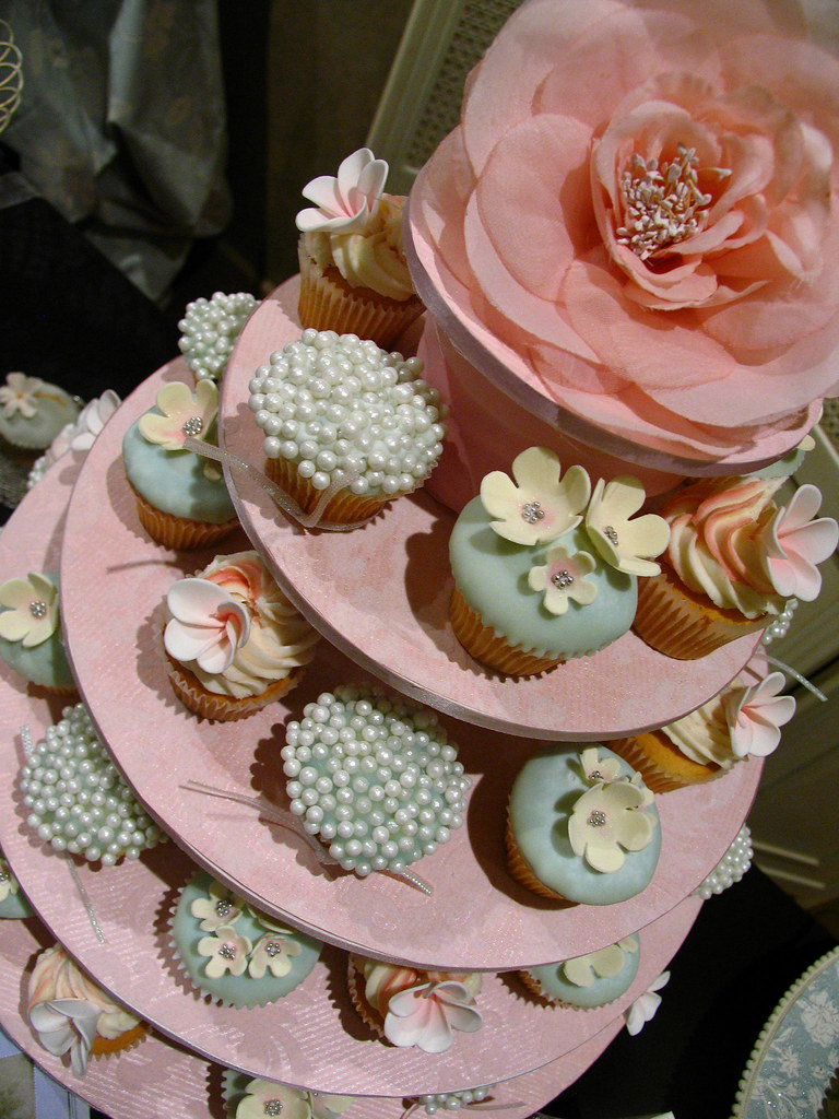 wedding cake cupcake pan wedding cupcakes for an expo designed by le cupcake 8603