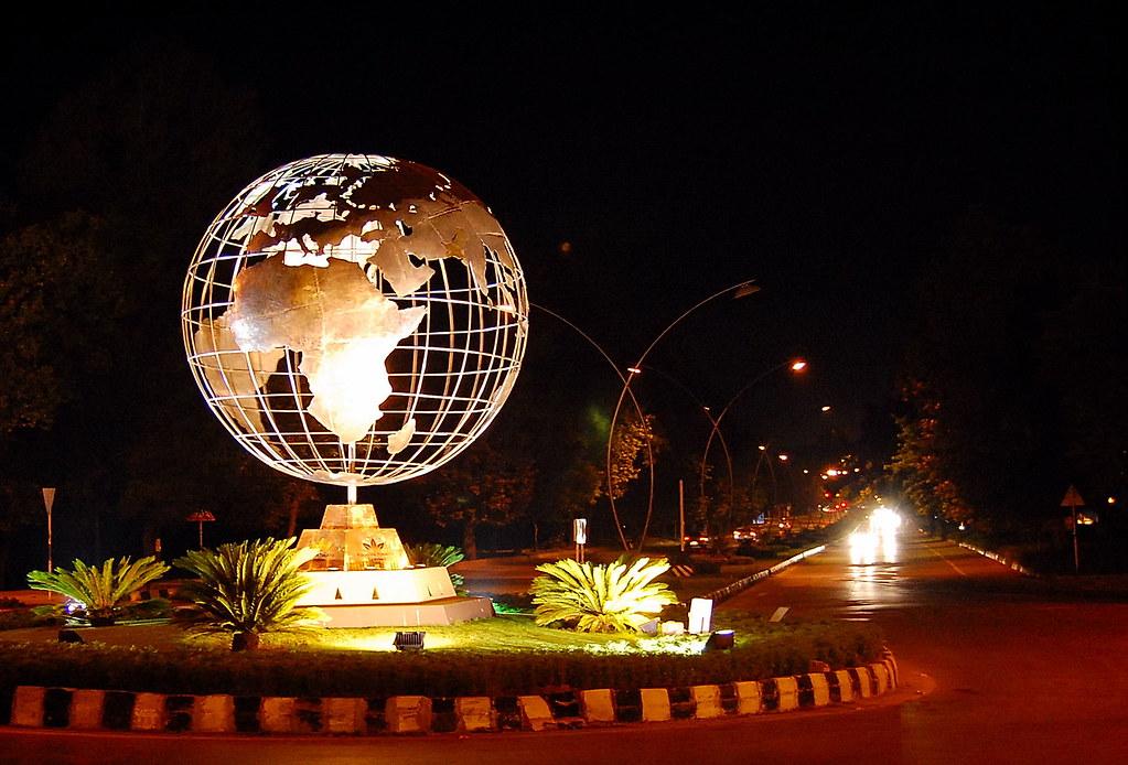 Driving Jobs Nyc >> Rotating globe at Islamabad, Pakistan | I was driving ...