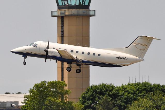 Charter Air Transport  Embraer EMB120ER Brasilia  N650CT  Republic Airpor