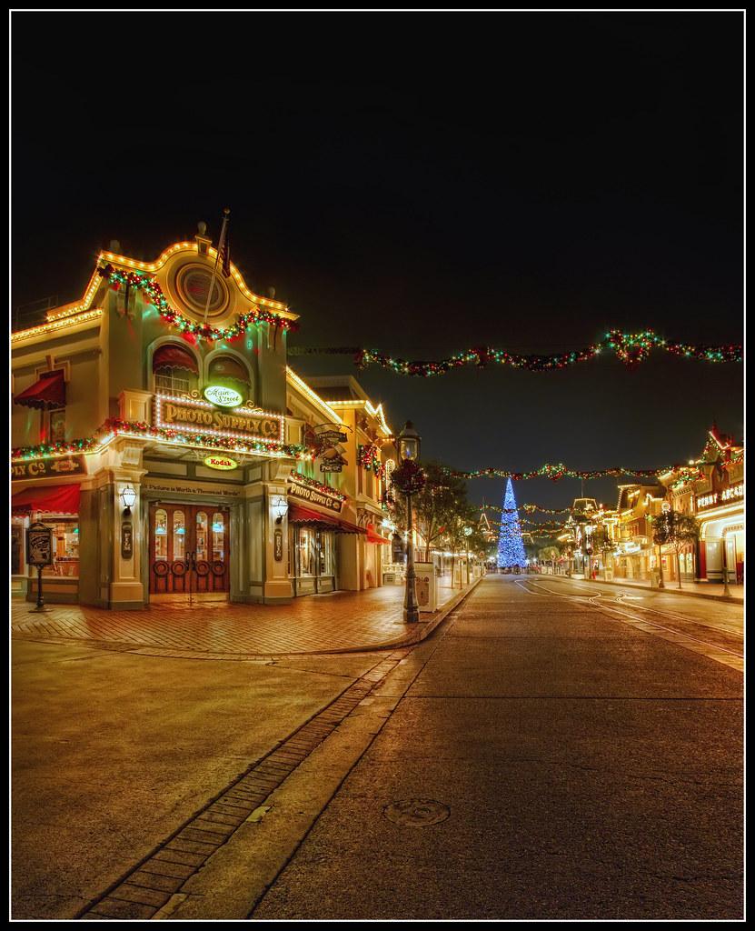 Disneyland Decorated For Christmas: Main Street USA Disneyland