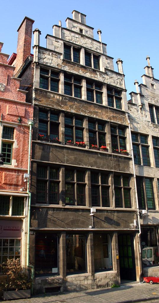Huis de lelye gent de hoge trapgevel in laat gotische for Huis met tuin gent