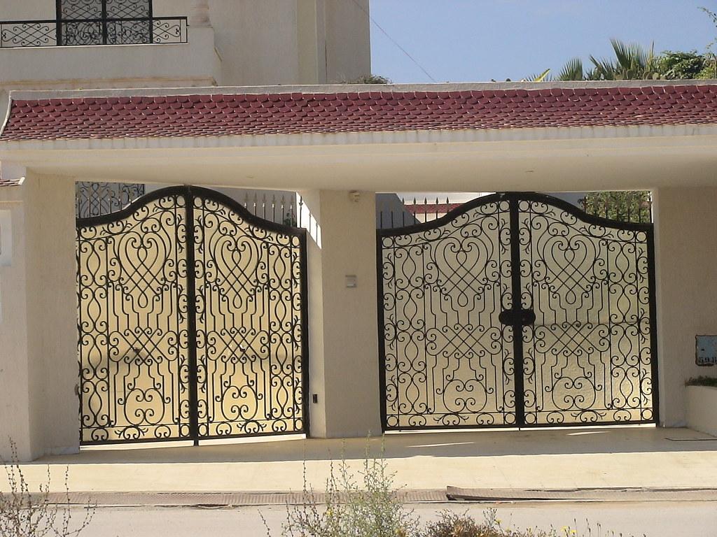 Style de porte exterieure en fer forg tunis citizen59 flickr for Porte villa en fer