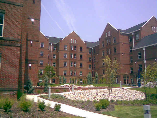 Uncg 20060626 010 Spring Garden Apartments The Newest