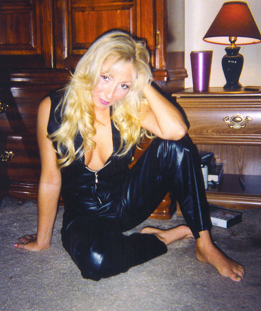 Wife In Leather 77