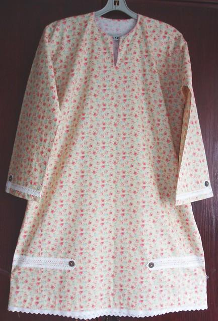 Lace Embellished Baju Kurung Top