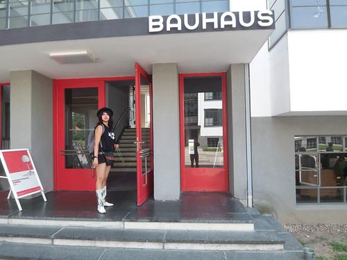Bauhaus la staatliches bauhaus casa de la construcci n for Staatliches bauhaus