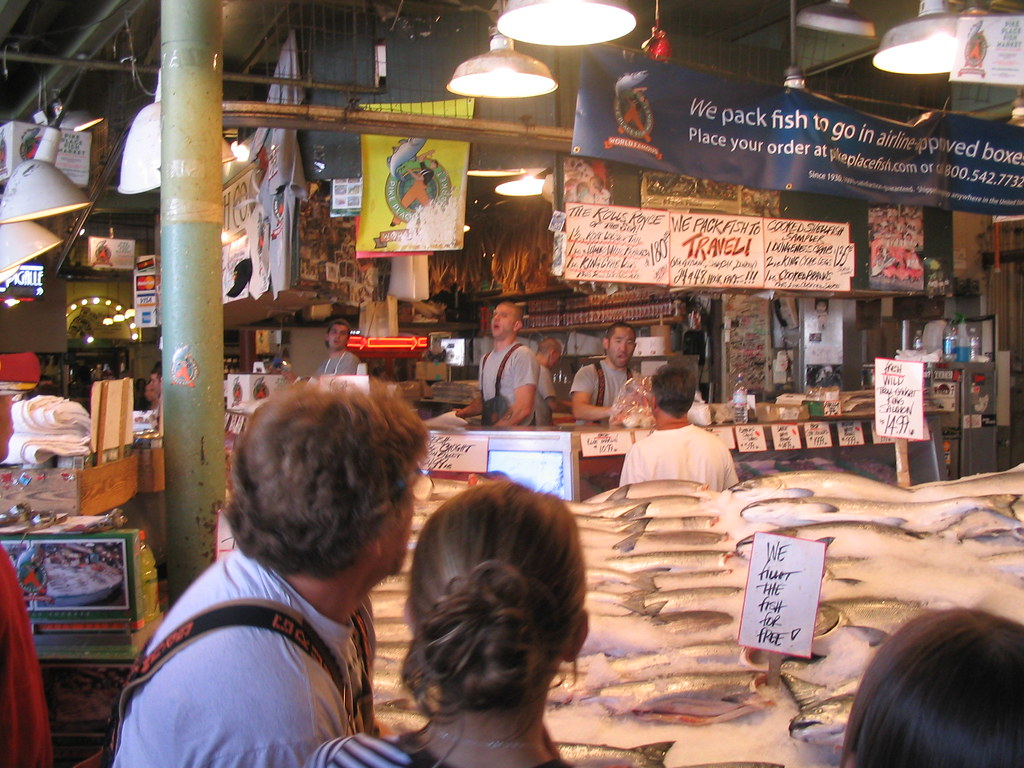 Flying fish 1 3 fish store seattle 39 s pike market they for Flying fish seattle