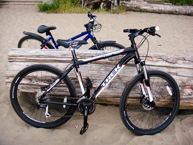 2010 Trek 4300 Mountain Bike