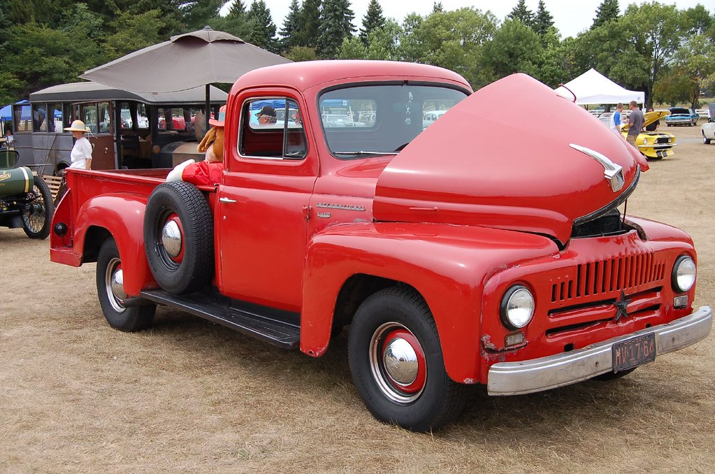 International Truck With Pickup Bed