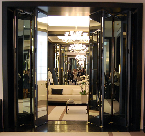 Chanel haute couture fitting rooms flickr for Dressing room accessories