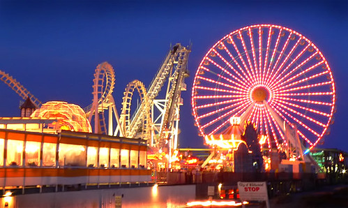 The Giant Wheel at Night | by quick5pnt0