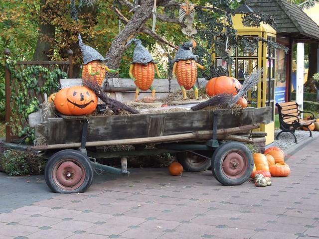 halloween deko europa park halloween dekoration im. Black Bedroom Furniture Sets. Home Design Ideas