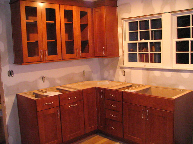 Same corner showing the top cabinets as well  The top
