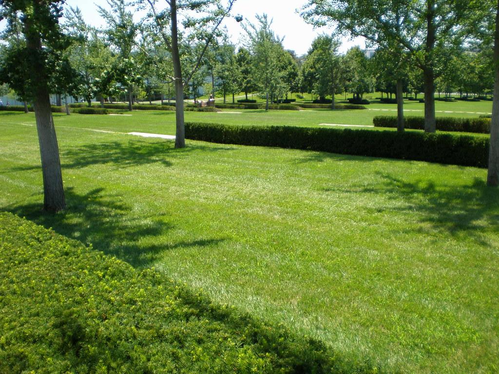 Nelson Atkins Museum Sculpture Park Kansas City Missouri