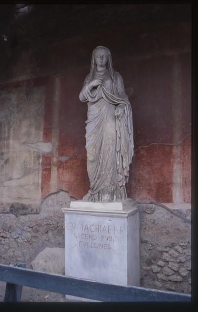 Statue Of Eumachia Replica Pompeii Flickr Photo