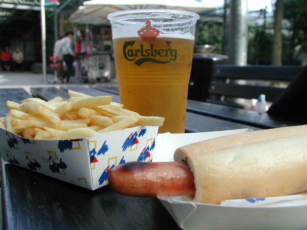 fransk hot dog pommes frites and huge beer copenhagen z flickr. Black Bedroom Furniture Sets. Home Design Ideas