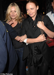 Kate Moss, Stella McCartney join crowd at Sir Paul's secret gig | by Antoon's Foobar