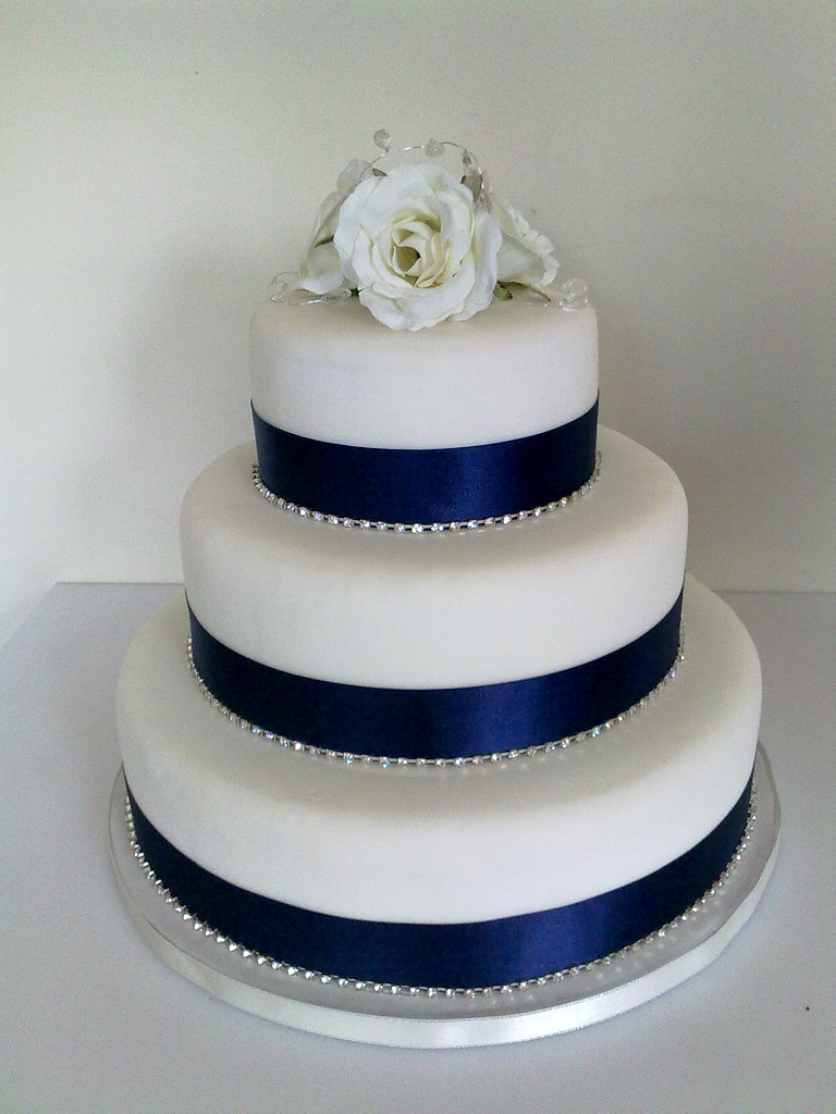 red and navy blue wedding cakes navy amp white roses wedding cake lorna mcatear flickr 19083