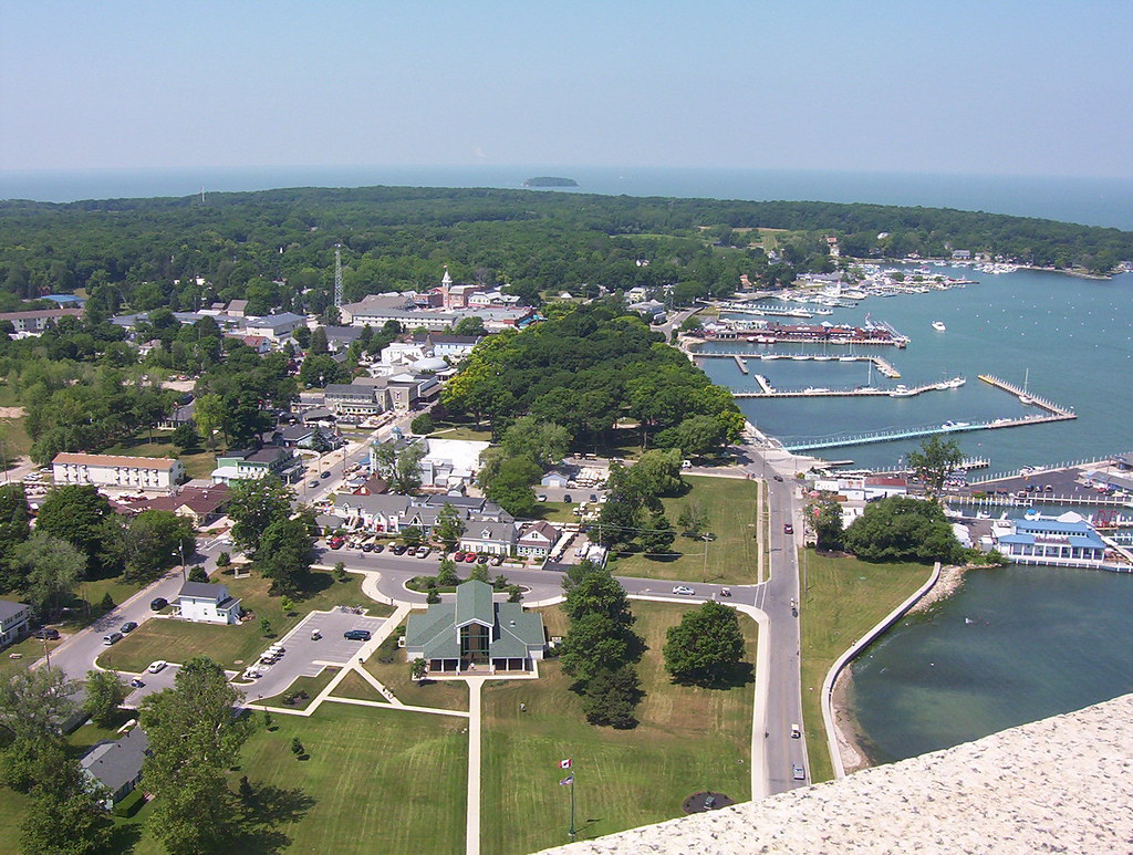 Put-In-Bay, Ohio. | View from Perry's Monument. | Juan ...