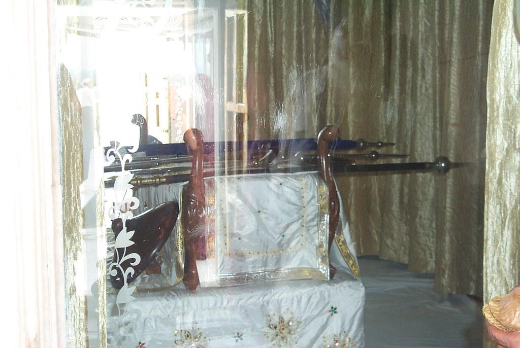 Guru Gobind Singh ji Weapons of Guru Gobind Singh ji