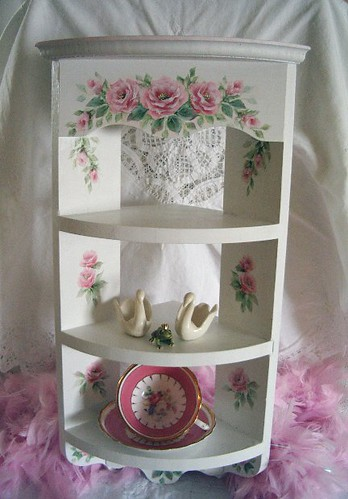 shabby pink roses corner shelf chic vintage style. Black Bedroom Furniture Sets. Home Design Ideas