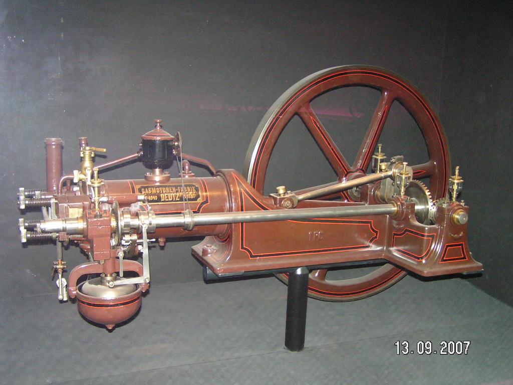 pict0137 1880 deutz four stroke gas engine nikolaus. Black Bedroom Furniture Sets. Home Design Ideas