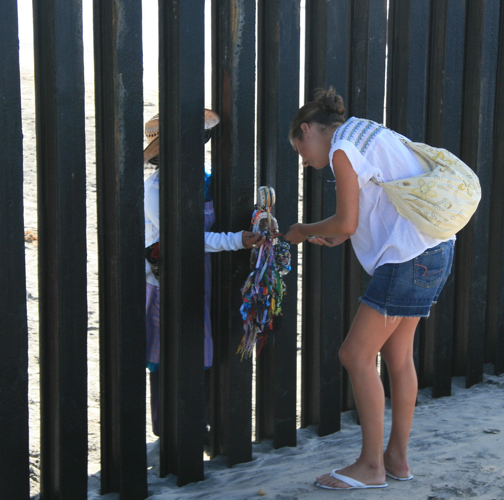 Trade Along The Us Mexico Border Fence Karl Drilling