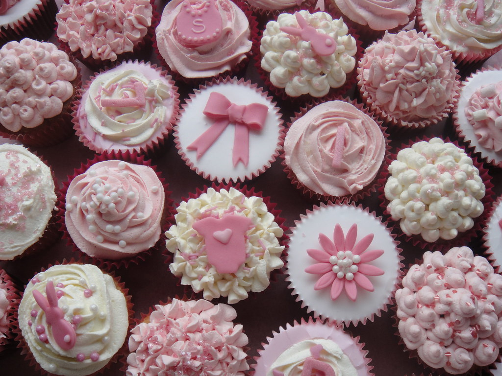 baby girl cupcake collection vanilla cupcakes to