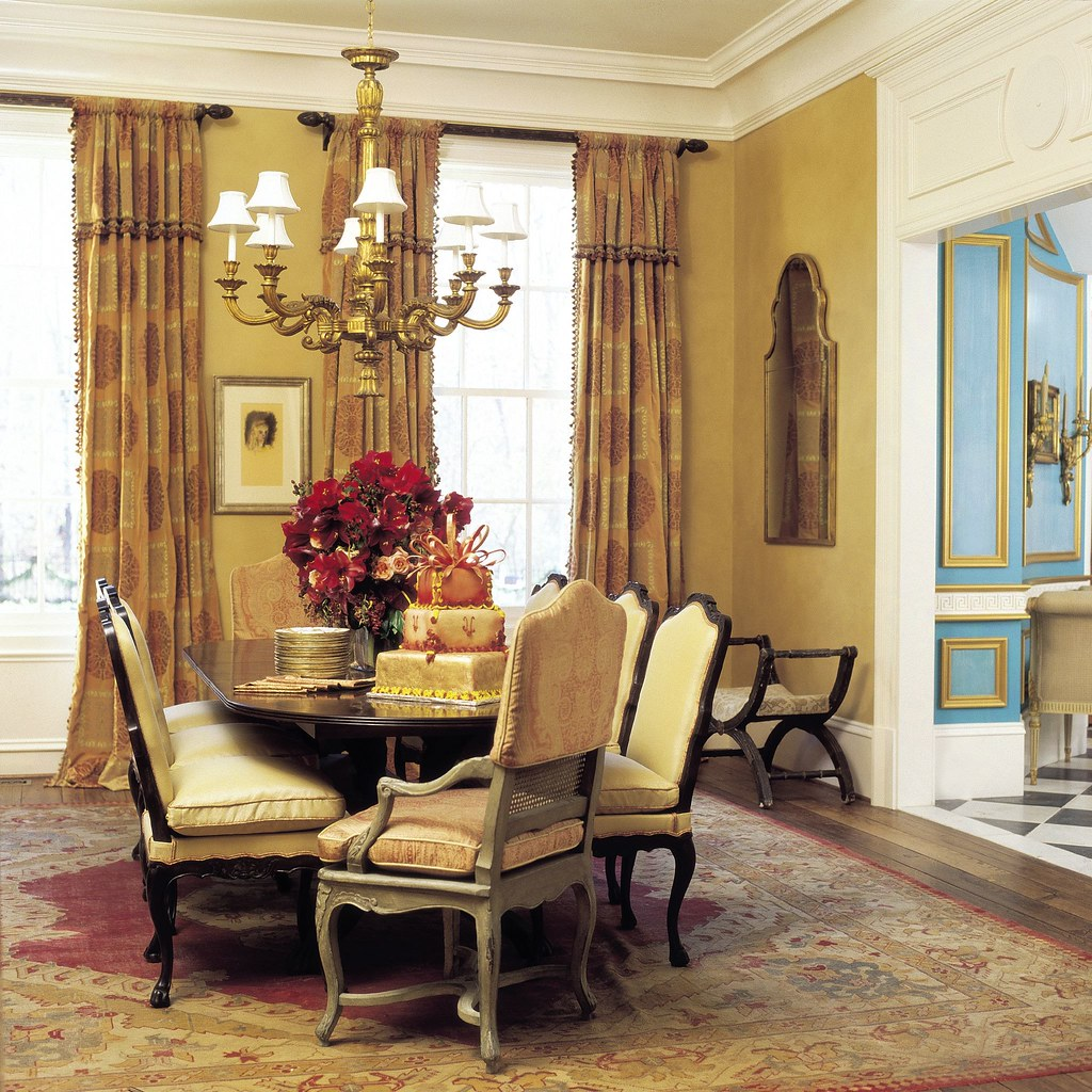 Atlanta Dining Room Table