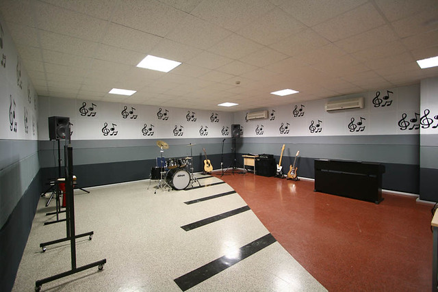 Z Classroom Design : Binus school serpong music classroom high built