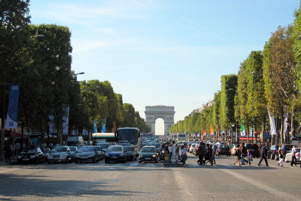 paris avenue des champs lys es arc de triomphe de l 39 t flickr. Black Bedroom Furniture Sets. Home Design Ideas