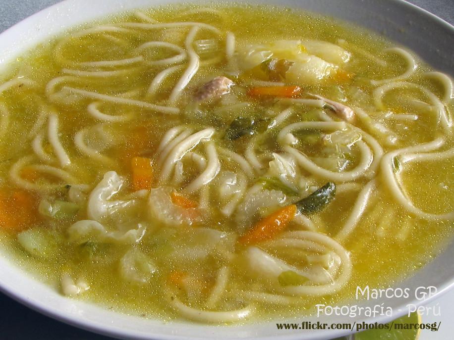 Sopa de pollo hecha en casa deliciosa y sutanciosa for Comidas faciles de preparar en casa
