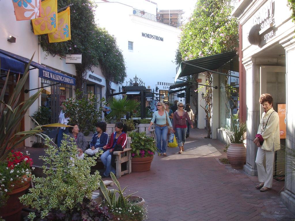 el Paseo Santa Barbara el Paseo Nuevo Santa