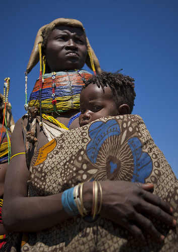 Mumuhuila tribe mother and baby | by Eric Lafforgue