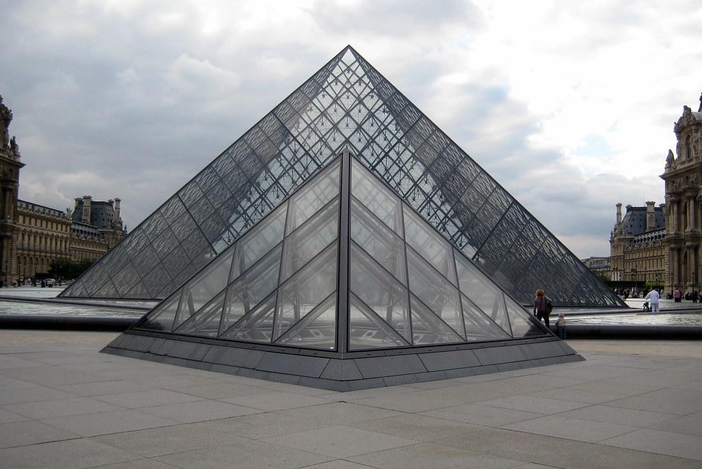 Paris mus e du louvre cour napol on la pyramide du lo flickr - Pyramide du louvre pei ...
