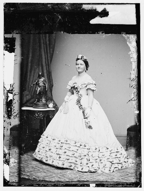 Mary Todd Lincoln In Inaugural Gown Source Library Of