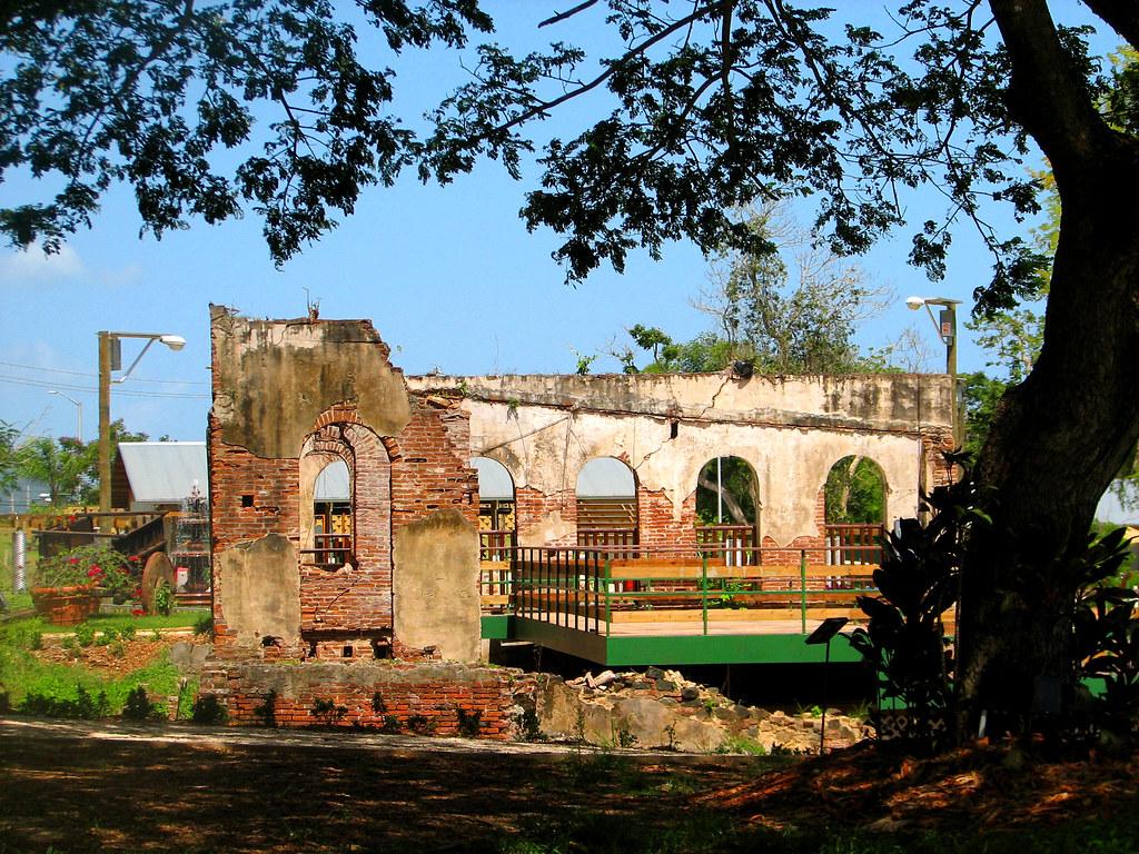 Ruinas en el jard n bot nico de caguas fernando cuevas for Actividades en el jardin botanico de caguas