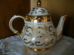 gold and white teapot | by rollypolly