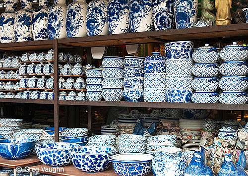 10032622 Thai Made Blue And White Ceramic Pottery For