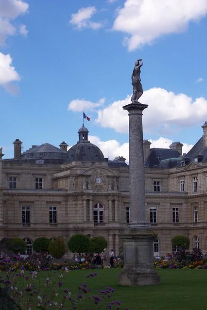 Par s jardines de luxemburgo una foto de los jardines for Jardines de luxemburgo paris