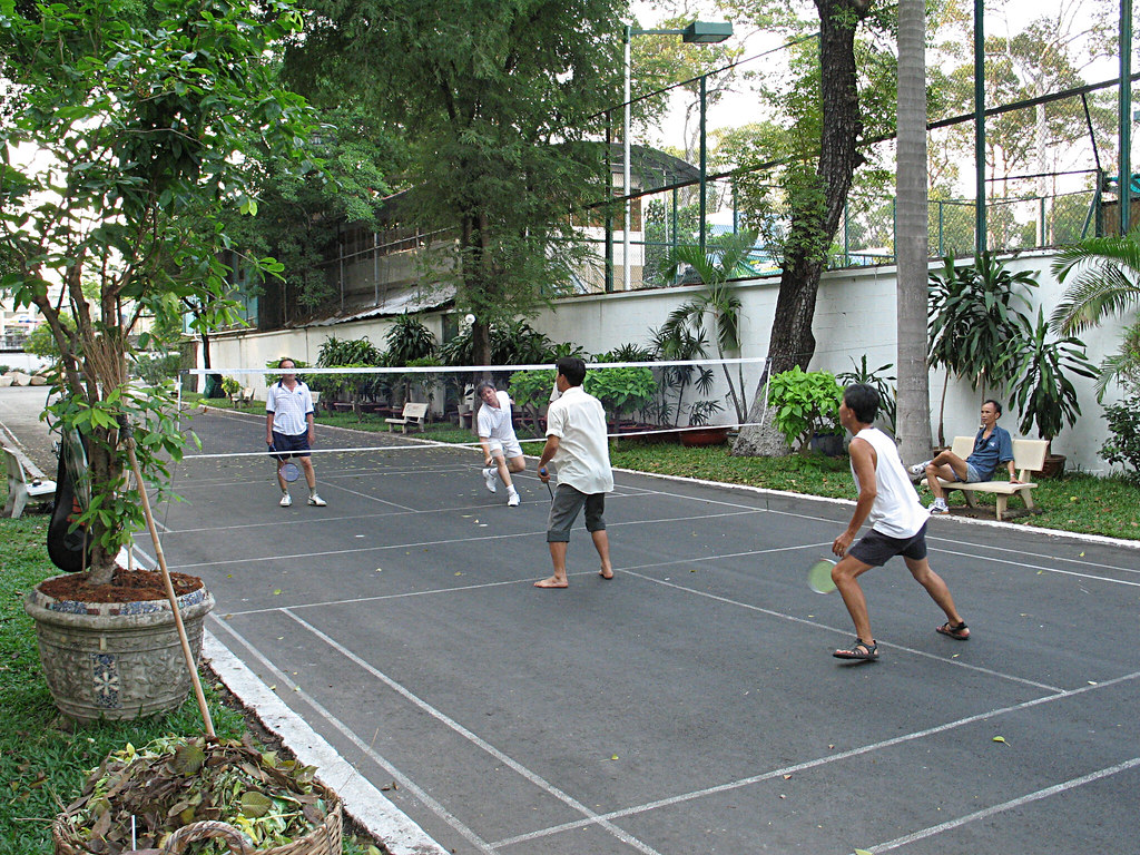 Outdoor badminton in Ho Chi Minh city | Harry -[ The ... Badminton