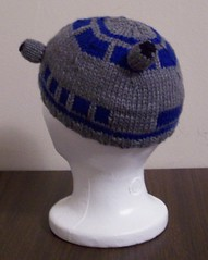 R2D2 Hat, Back | by nosmallfeet