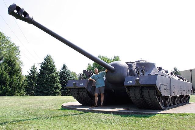 Специалисты полагают, что для достижения необходимой в современном бою подвижности танк необходимо